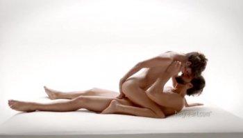 как узнать  мастурбирует ли девушка